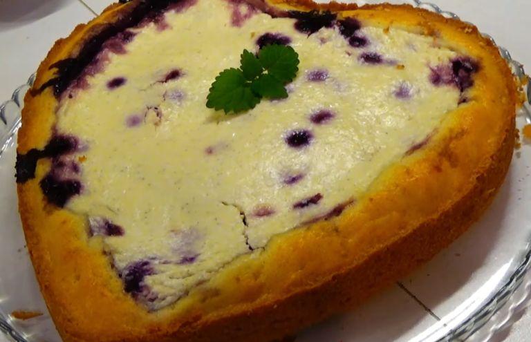 Заливной пирог с ягодами - 10 простых и быстрых рецептов сладких пирогов