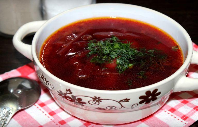 Свекольник горячий: 6 классических рецептов приготовления супа
