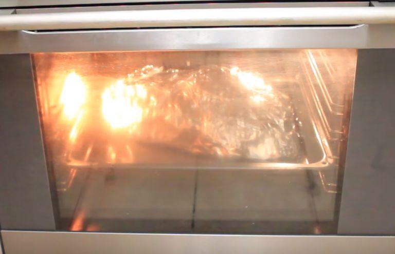Утка с яблоками в духовке – 6 рецептов приготовления в домашних условиях