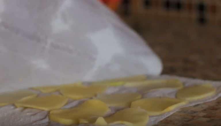 Как сделать чипсы в микроволновке за 5 минут в домашних условиях?