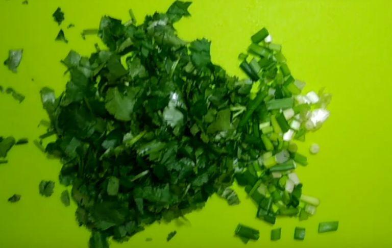 Сом, жареный на сковороде - 5 рецептов приготовления в домашних условиях