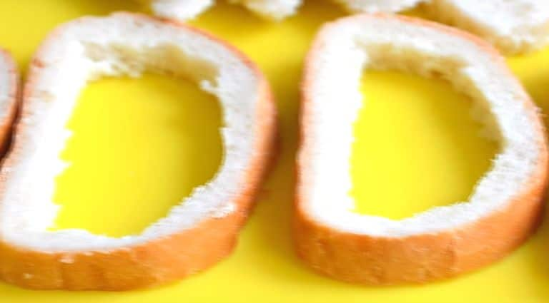 Как приготовить гренки на сковороде? 4 рецепта жареных гренок в домашних условиях