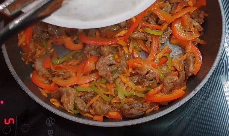 Фунчоза с мясом и овощами по-корейски – 5 рецептов приготовления горячего блюда