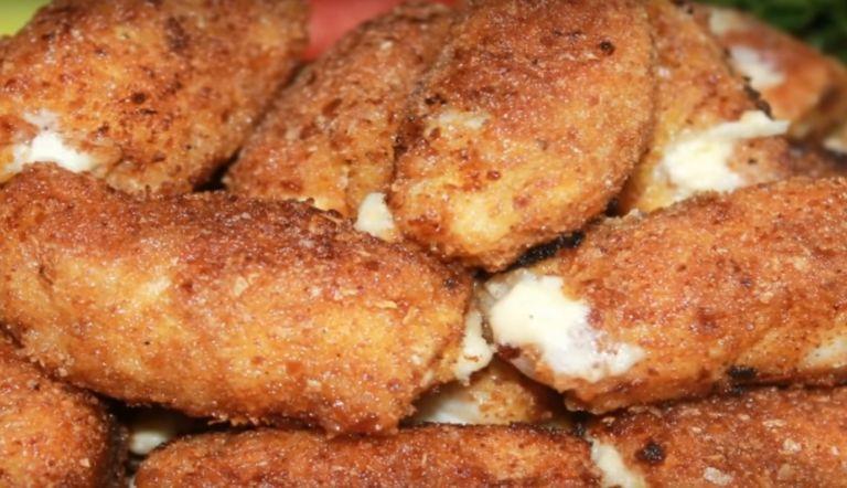 Куриная грудка с сыром на сковороде – 5 рецептов жареной грудки