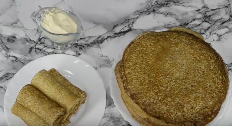 Блины на кислом кефире: 6 рецептов приготовления тонких с дырочками блинов