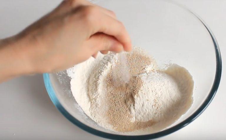 Оладьи на сухих дрожжах: 5 рецептов приготовления пышных оладий
