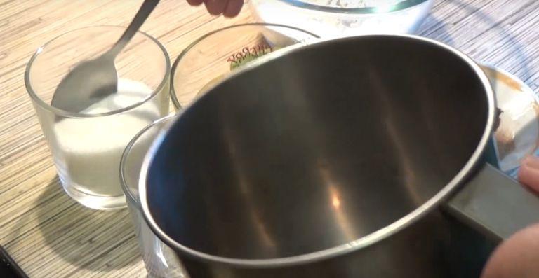 Постная медовая коврижка: 5 рецептов приготовления