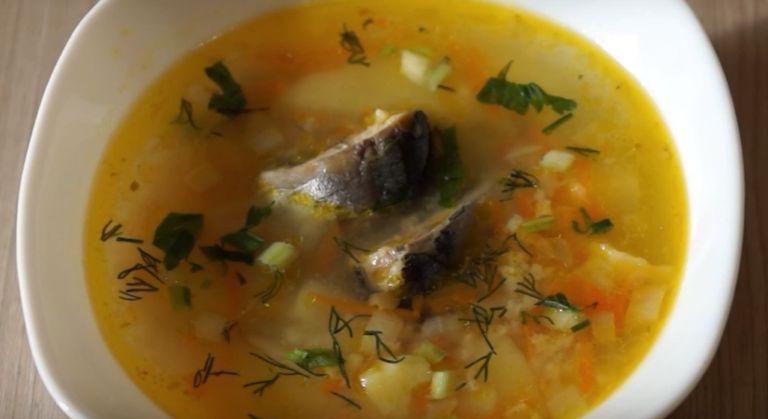 Уха из консервов сайры – 5 рецептов приготовления рыбного супа