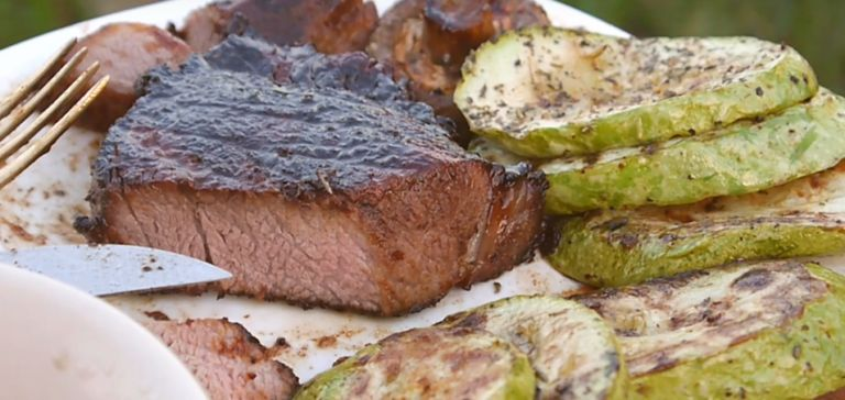 Как пожарить стейк из свинины, чтобы он был сочным? 5 вкусных рецептов