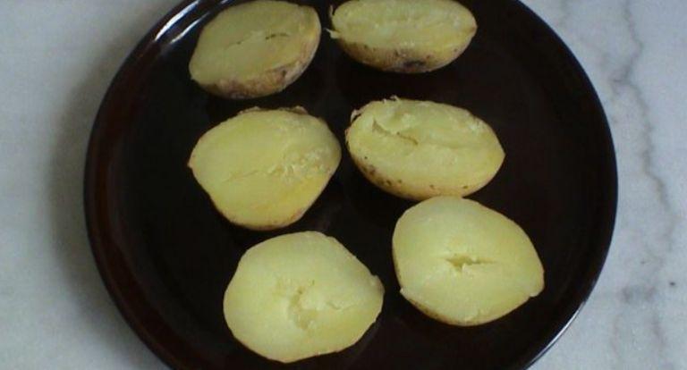 Как приготовить картошку в микроволновке быстро и вкусно? 8 рецептов приготовления
