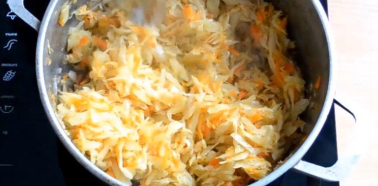 Пирожки на кефире жареные на сковороде – 4 рецепта воздушного теста на кефире