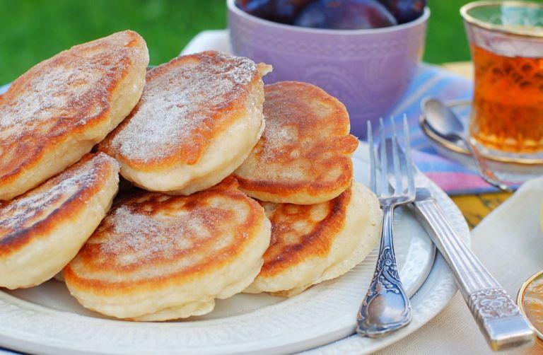 Постные оладьи - простые и вкусные рецепты приготовления на каждый день