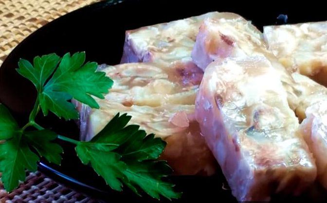 Холодец из свиных ножек: вкусные пошаговые рецепты