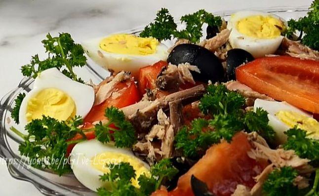 Очень вкусный салат из консервированного тунца — диетические рецепты приготовления